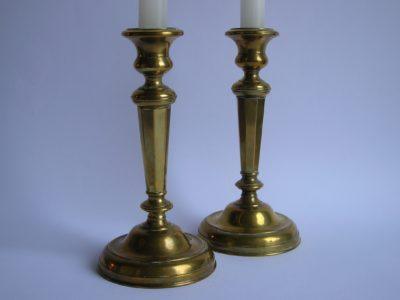 Párové mosazné svícny