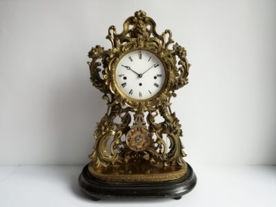 mosazné hodiny druhé rokoko