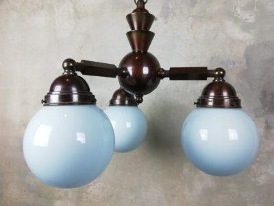 Mosazný tříramenný lustr - modrá skla