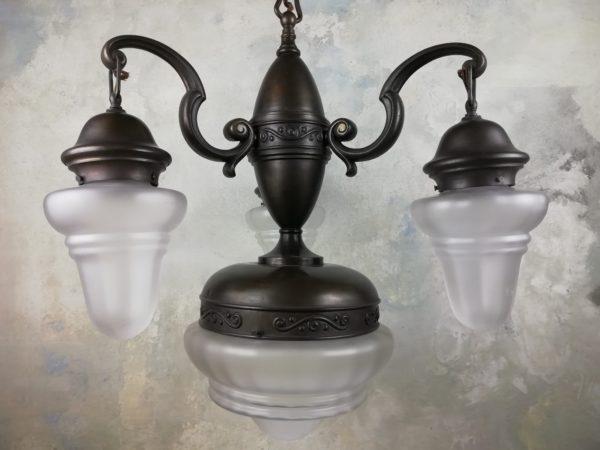 Tříramenný čtyřbodový lustr